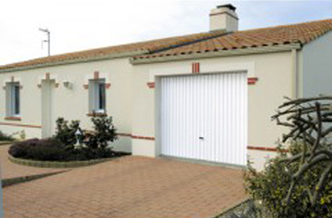 porte-garage-basculante-amelior'habitat
